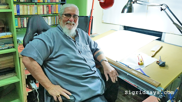 PEQUE GALLAGA and His Gray Locutions