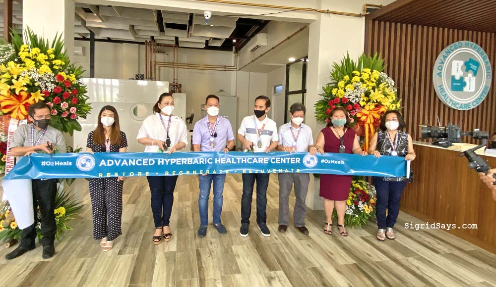 Advanced Hyperbaric Healthcare Center - faster Healing - Overall Wellness hyperbaric oxygen therapy - HBOT - oxygen chamber - ribbon cutting owners Em Ang