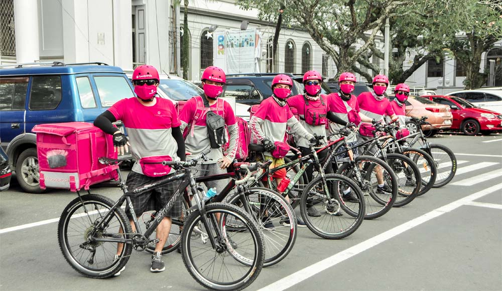 Bacolod bike riders - eco-friendly foodpanda delivery - earth hour - food delivery app - pink uniforn - Bacolod restaurants - Capitol Lagoon